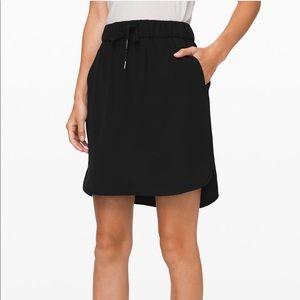 NWT Lululemon On The Fly Woven Black Skirt 8